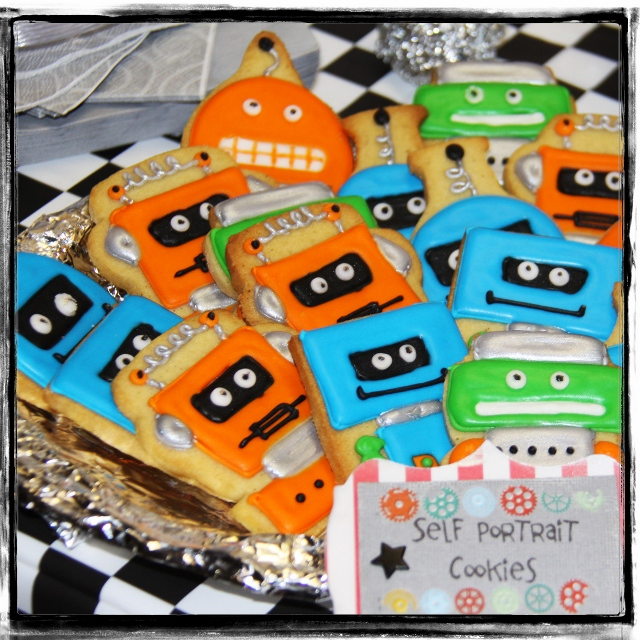 Toby8th_robot cookies (640x640)