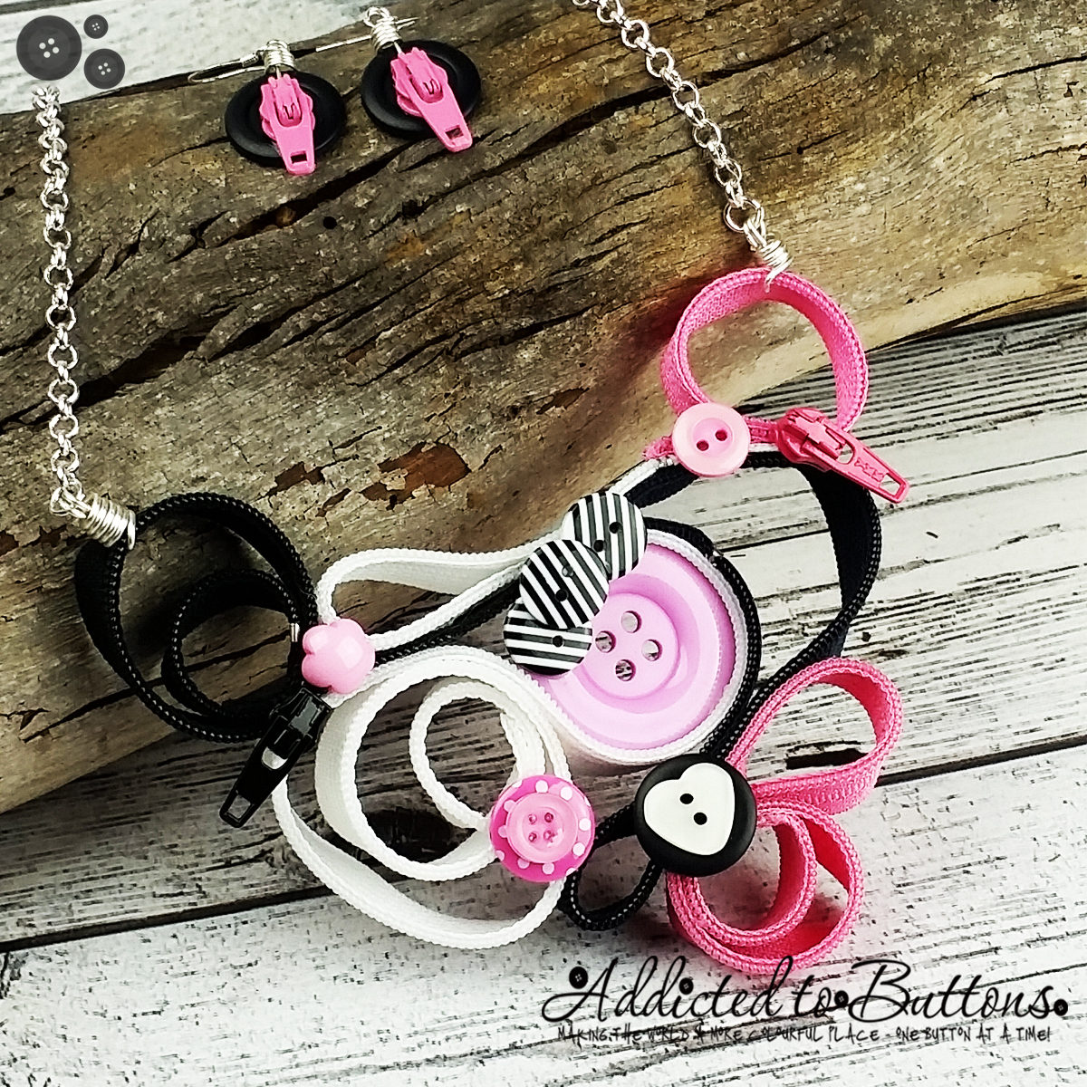 2015_Necklace_PinkBlkWht_Zip_01