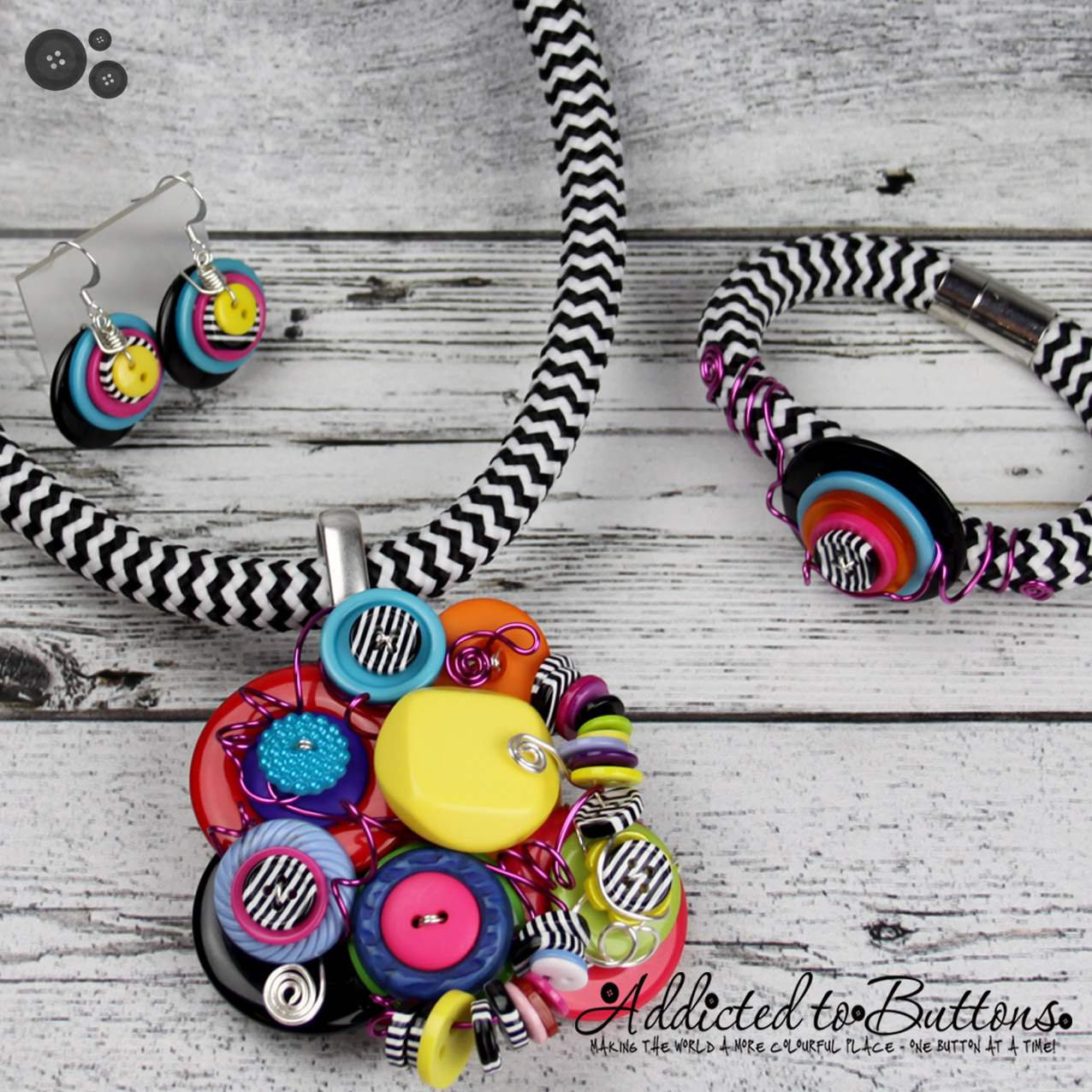 2015_Rope_Necklace_Cluster_LamazeRainbow_02