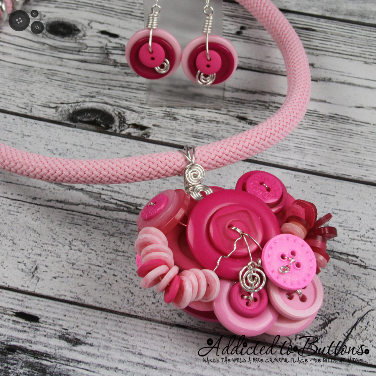 2015_Rope_Necklace_Cluster_Pink_01