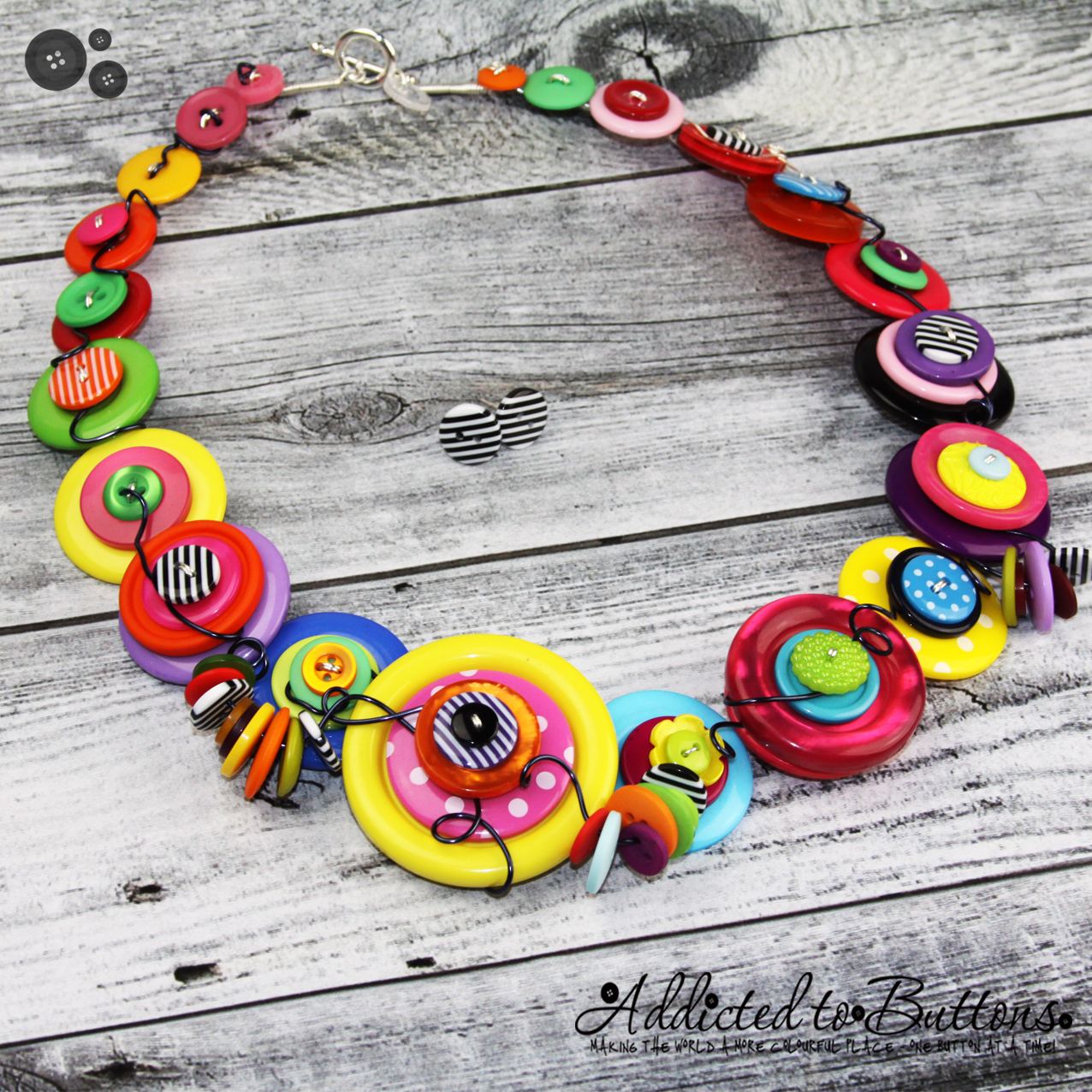 2015_necklace_chunkybright_01